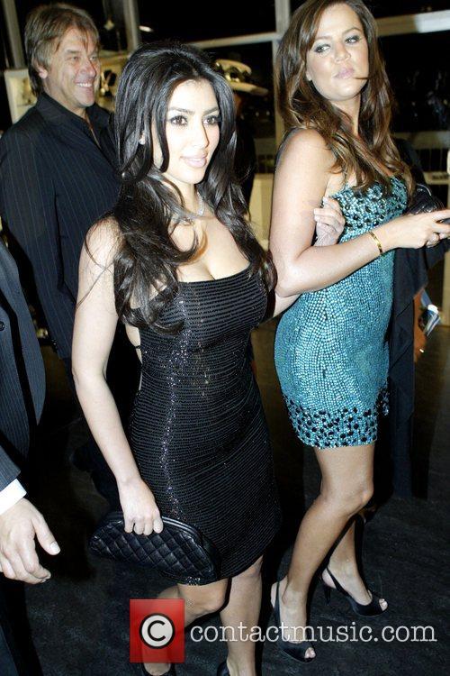 Kim Kardashian and Chloe Kardashian 9