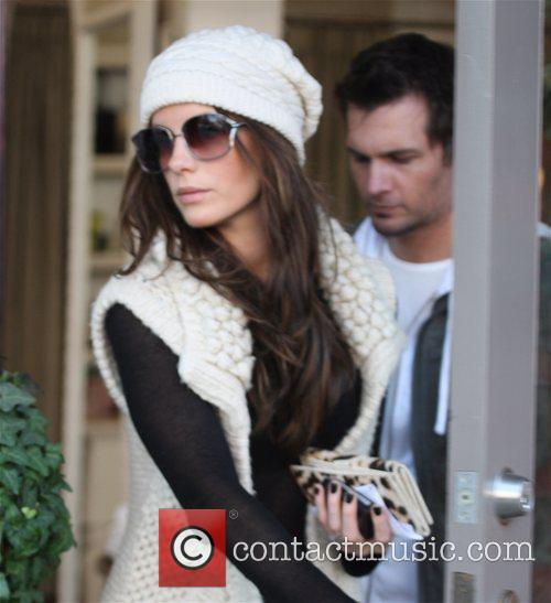 Len Wiseman and Kate Beckinsale shopping in Brentwood