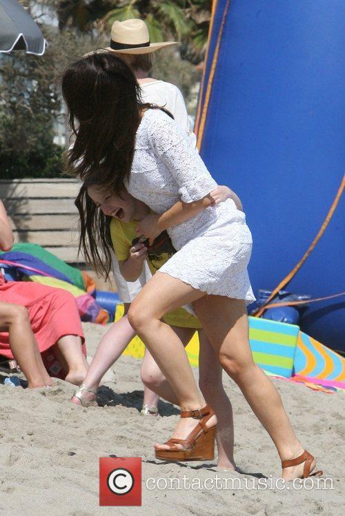Kate Beckinsale having fun on Malibu beach and...