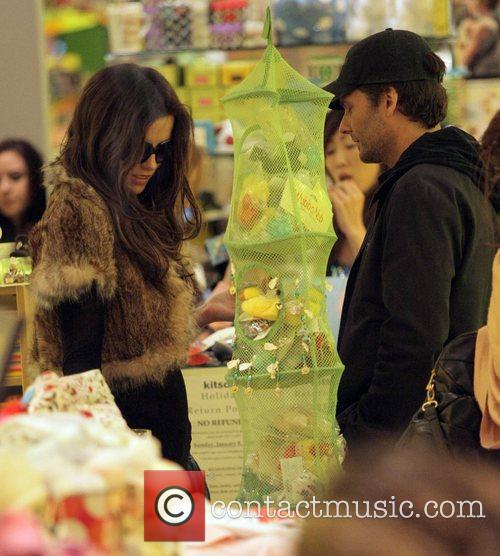 Kate Beckinsale and Len Wiseman shopping at Kitson...