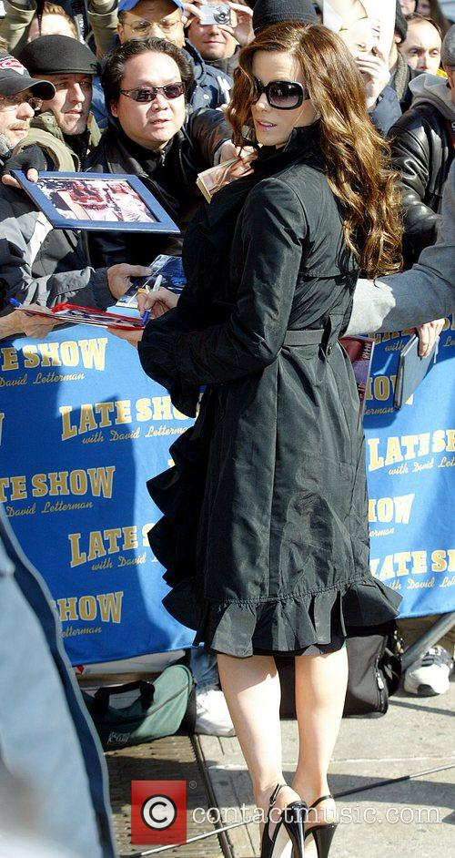 Kate Beckinsale and David Letterman 16