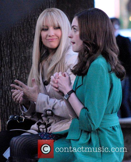 Kate Hudson and Anne Hathaway 12