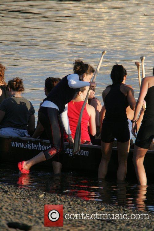 Kate Middleton training with the Sisterhood team who...