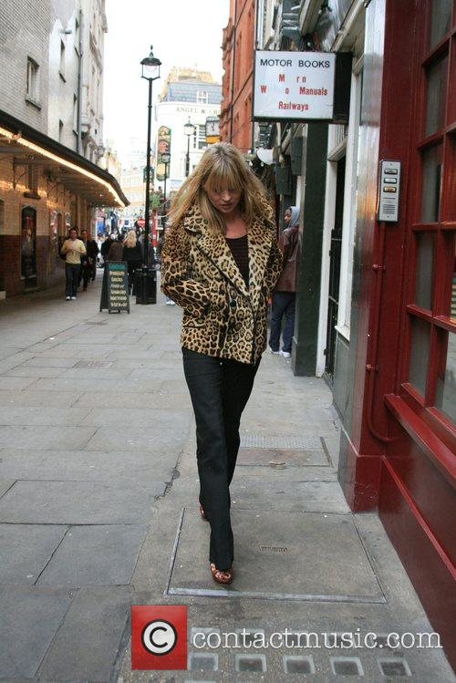 Kate Moss leaves Davinia Taylors house and meets...