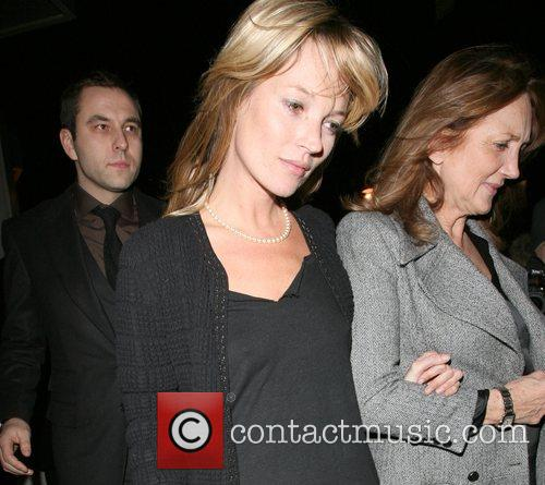 Kate Moss, her mother Linda Moss dine at Locanda Locatelli restaurant in Marylebone. They are bizzarely accompanied by David Walliams!