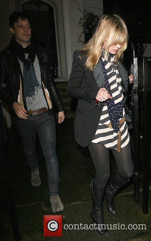 Kate Moss, Her Boyfriend Jamie Hince Leave Her Best Friend Davina Taylor's Home, At 1am and Having Spent The Evening There. 4