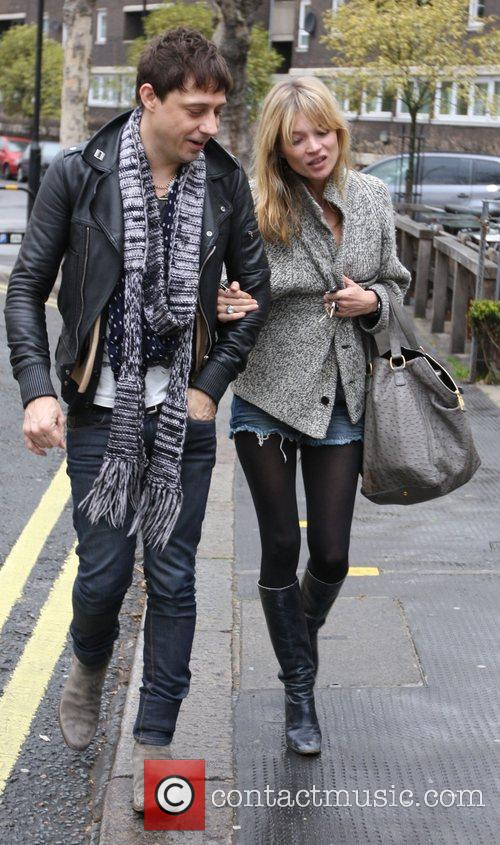 Kate Moss and Jamie Hince spend the afternoon...