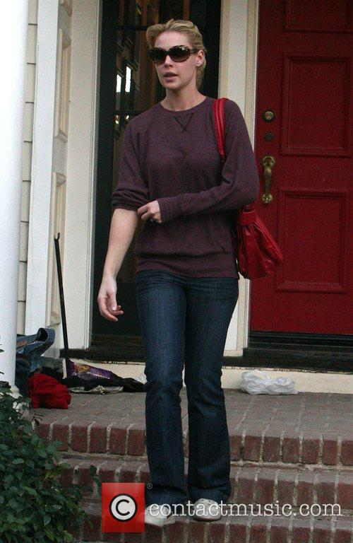 Katherine Heigl leaving her house to visit a...