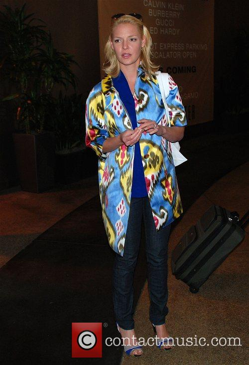 Katherine Heigl goes to Beverly Centre with her...