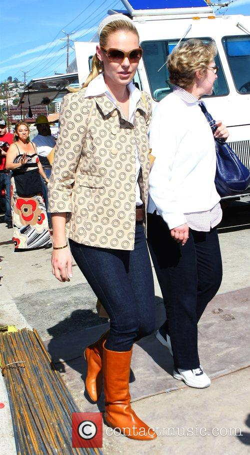 Katherine Heigl and her mother Nancy Heigl shopping...