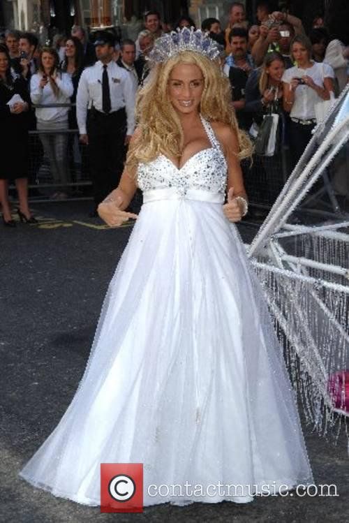 Katie Price and Harrods 10