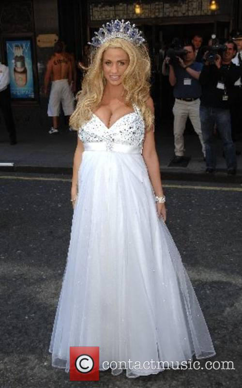 Katie Price and Harrods 11