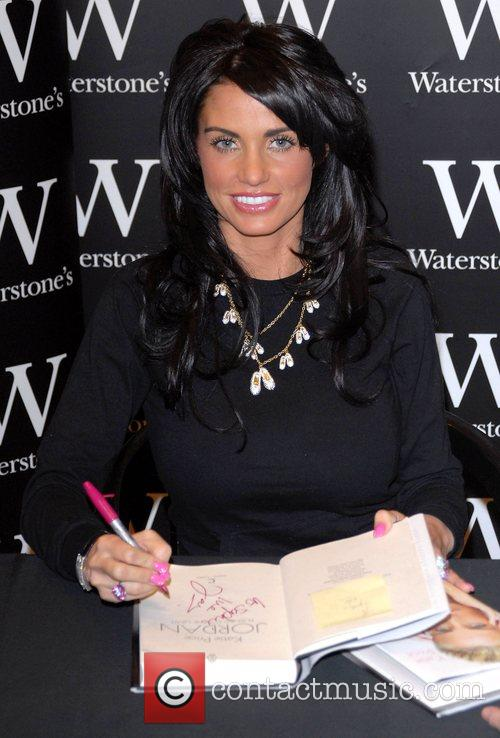 Katie Price and Aka Jordan Signs Copies Of Her New Book 'pushed To The Limit' At Waterstones In Bluewater 6