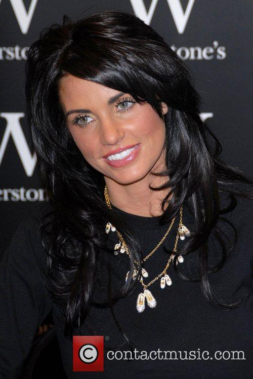 Katie Price and Aka Jordan Signs Copies Of Her New Book 'pushed To The Limit' At Waterstones In Bluewater 5