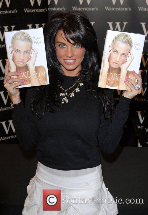 Katie Price and Aka Jordan Signs Copies Of Her New Book 'pushed To The Limit' At Waterstones In Bluewater 3