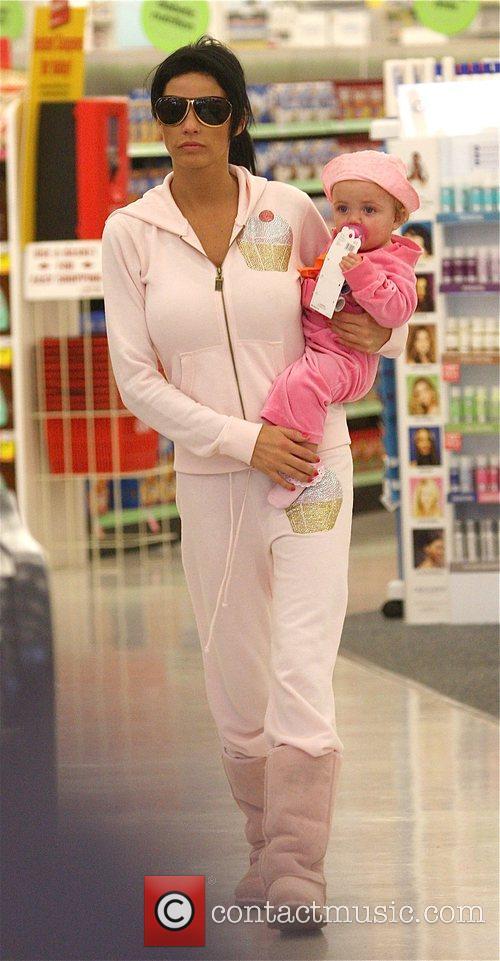 katie price with her daughter princess tiaamii went to starbucks 5120805
