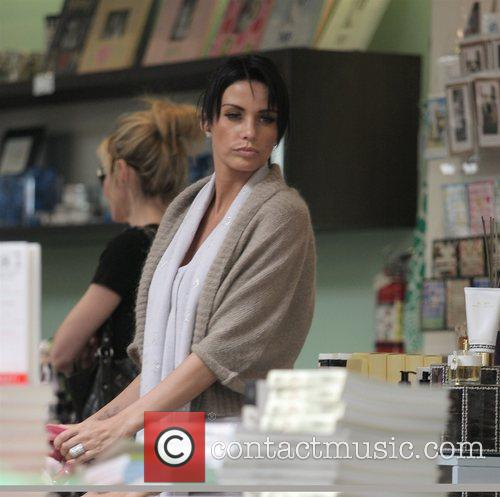 katie price doing some shopping on robertson boulevard 5121626
