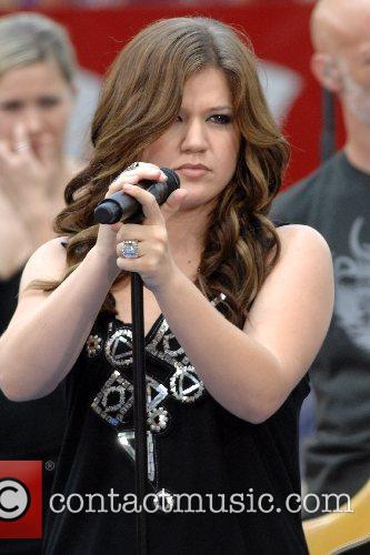 Kelly Clarkson 44