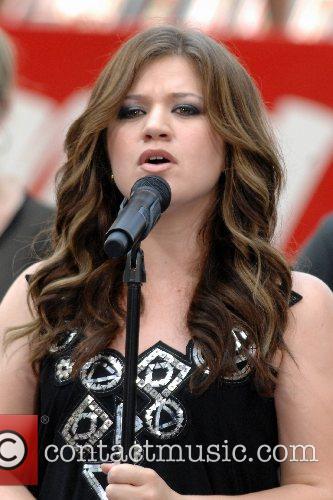 Kelly Clarkson 43