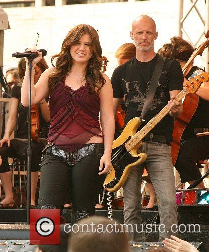 Kelly Clarkson 27