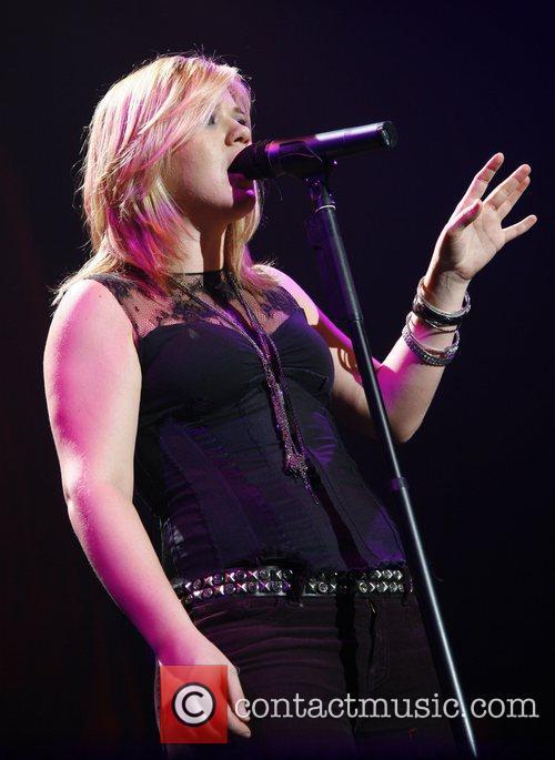 Kelly Clarkson 3