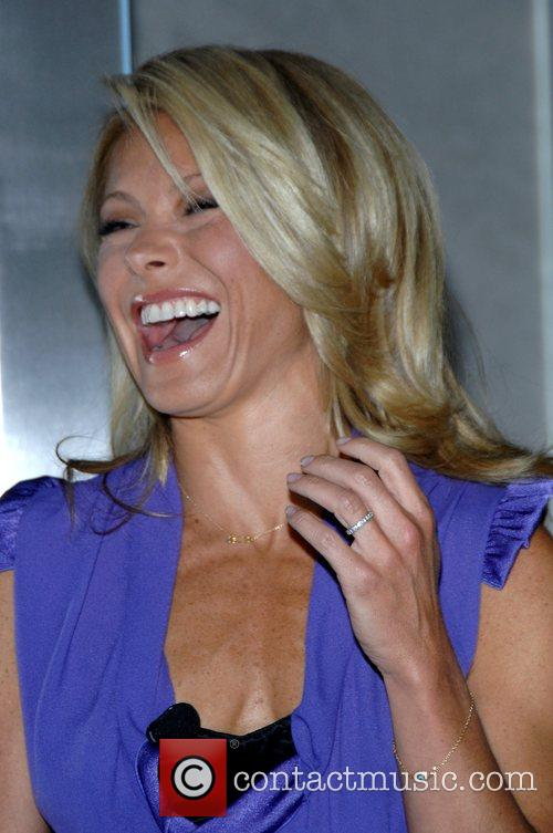 Kelly Ripa 4