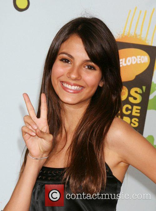 Victoria Justice and Ucla 6