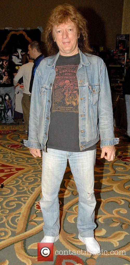 Guest 22nd Annual New York KISS Expo and...