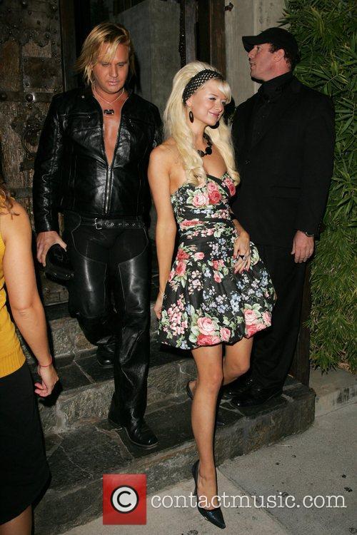 Natalie Reid and Paris Hilton 4
