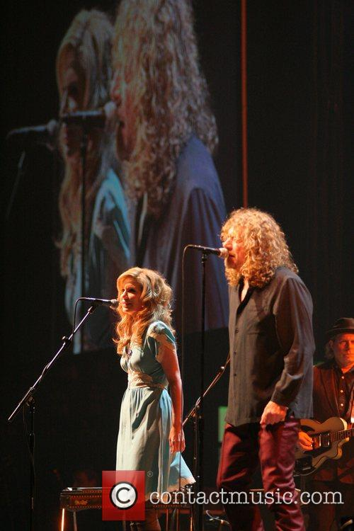 Alison Krauss and Robert Plant 6