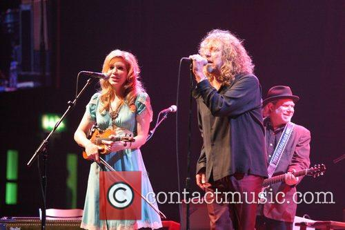 Alison Krauss and Robert Plant 5