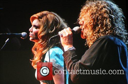 Alison Krauss and Robert Plant 2
