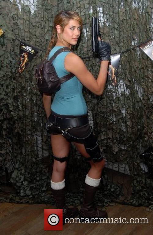 Lara Croft 21