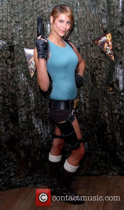 Lara Croft 13