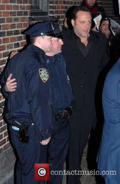 Vince Vaughn poses with fans after appearing on...