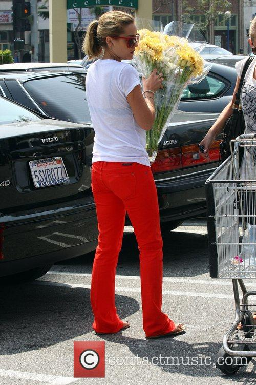 Lauren Conrad at Whole Foods shopping for groceries...