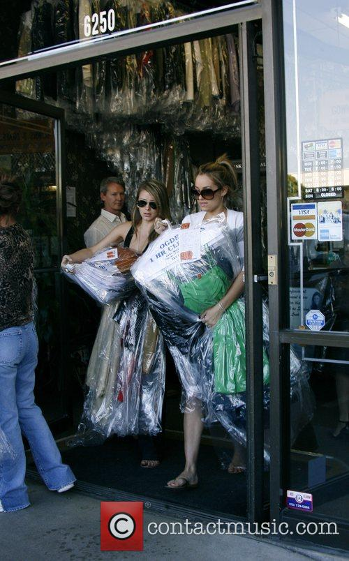 Lauren Conrad and Friend Picking Up Her Dry Cleaning 10