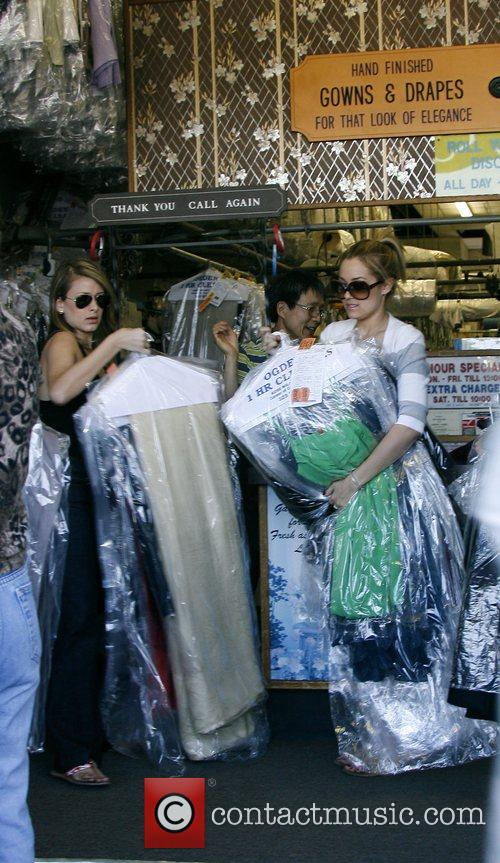 Lauren Conrad and Friend Picking Up Her Dry Cleaning 5