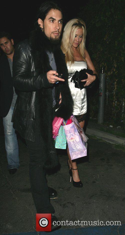 Dave Navarro and girlfriend Nicole Bennett leaving Les...