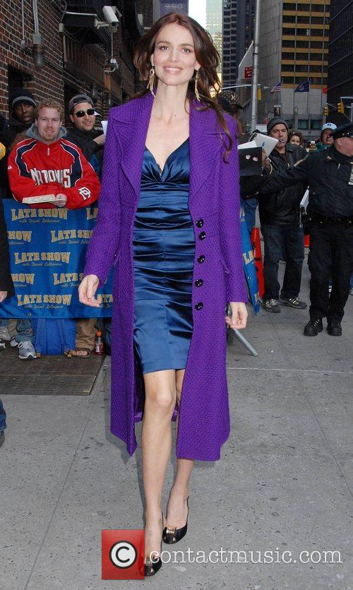 Saffron Burrows and David Letterman 13