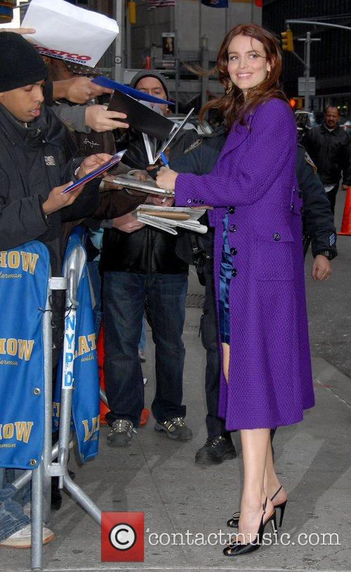 Saffron Burrows and David Letterman 12