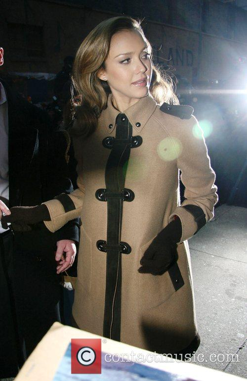 Jessica Alba and David Letterman 15
