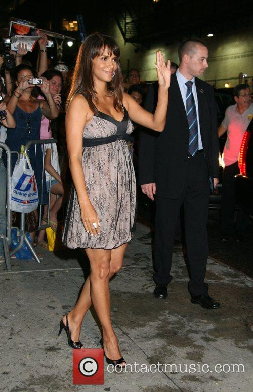 Halle Berry and David Letterman 22