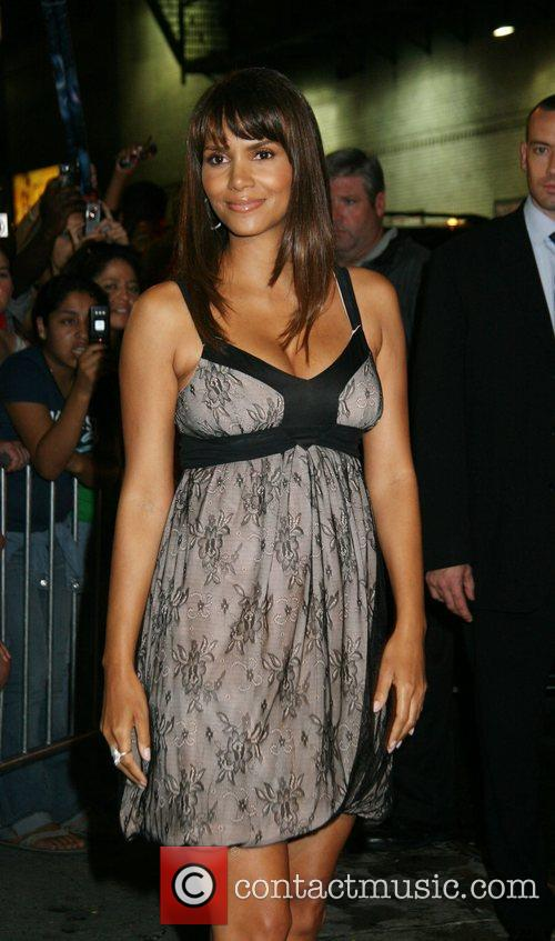 Halle Berry and David Letterman 17