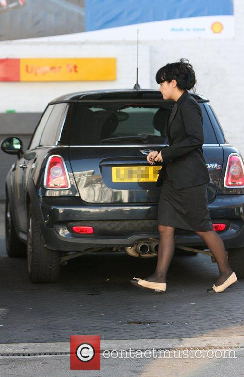 Lily Allen Fills her Mini with petrol...