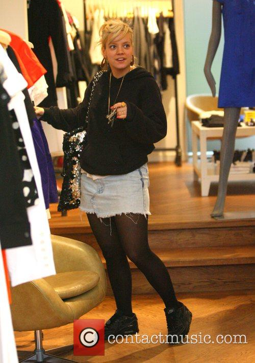 Lily Allen clothes shopping at Theory in Portobello...