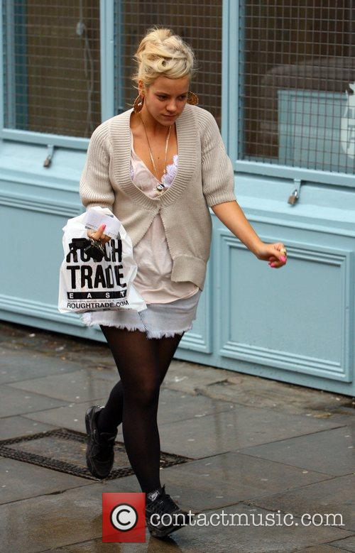Lily Allen leaves Rough Trade record shop after...
