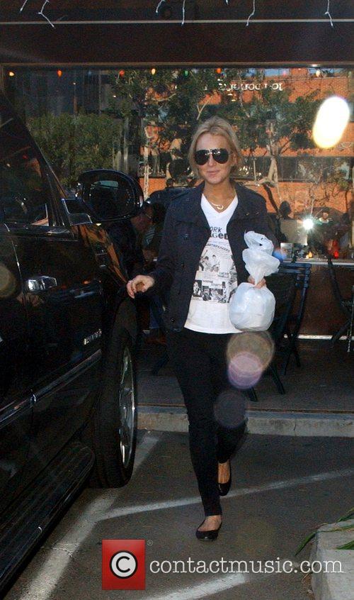 Lindsay Lohan stops at a bagel shop in...