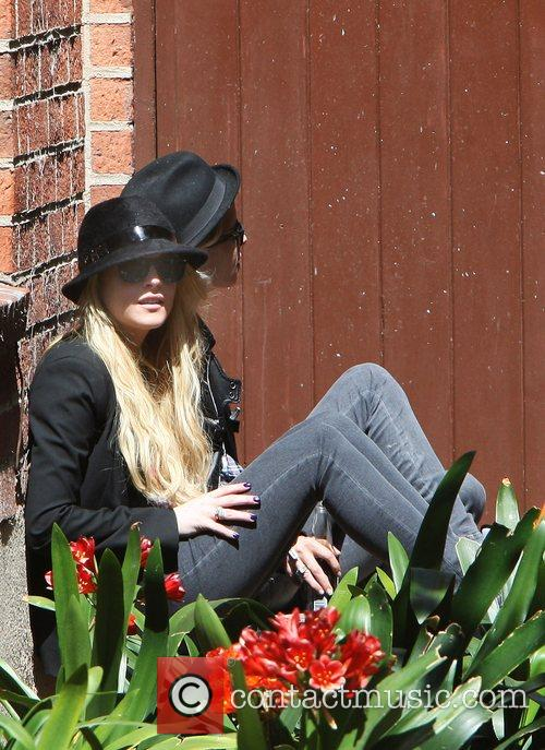 Lindsay Lohan and Samantha Ronson taking a break...