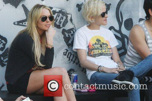 Lindsay Lohan hangs out with Samantha Ronson and...